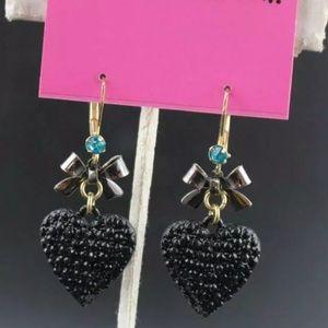 NWT•Betsey Black Heart and Bows dangle earrings